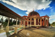 Photo of Kemegahan dan Keindahan Masjid Ummi di Pinggiran Danau Ateh