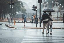 Photo of Perlengkapan dan Tips Liburan di Musim Hujan